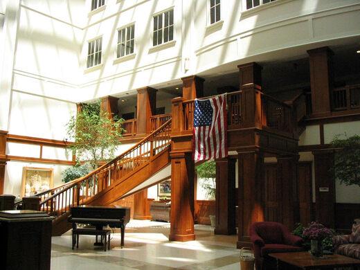 A Shot Of The Basketu0027s Interior Atrium.  Http://www.officesnapshots.com/2007/09/04/...  (http://www.officesnapshots.com/2007/09/04/longaberger Baskets Hq/)