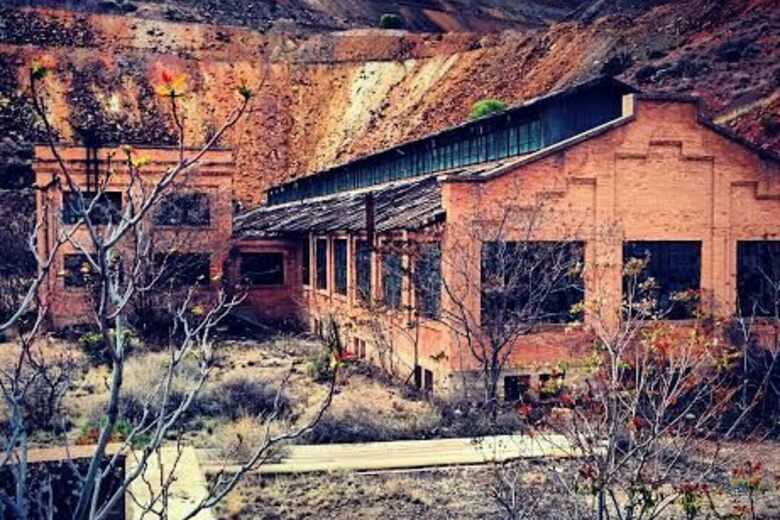 Date 05 23 2009 Temp 94 1115 Ft Address 800 E Mineral Rd Phoenix Az 85042 Site Mystery Castle Home Abandoned Places