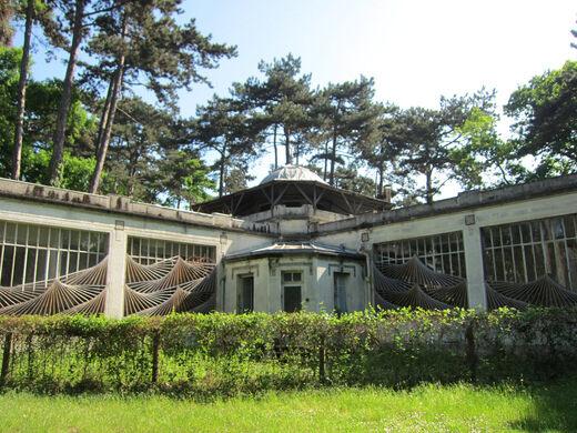 view all photos - Le Jardin