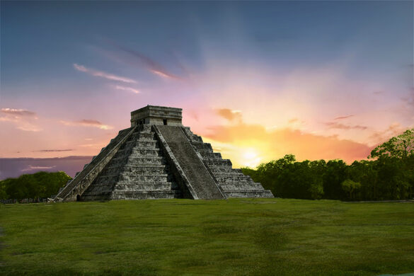 Equinox Near Me >> Pyramid of Kukulcan at Chich'en Itza – Mexico - Atlas Obscura