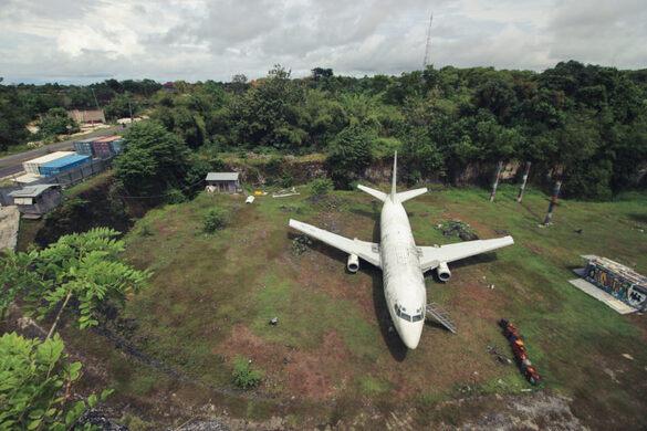 Bali's Abandoned Plane – Kuta Selatan, Indonesia - Atlas Obscura