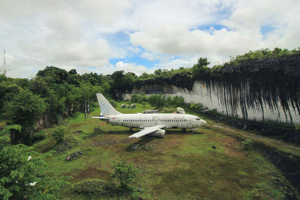 Bali S Abandoned Plane Kuta Selatan Indonesia Atlas Obscura