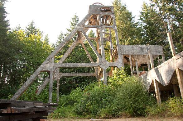 Morden Mine Tipple – Nanaimo, British Columbia - Atlas Obscura