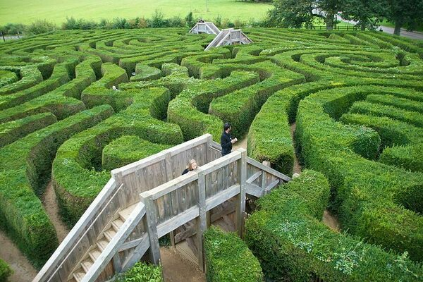 Dragonfly Maze – Bourton-on-the-Water, England - Atlas Obscura