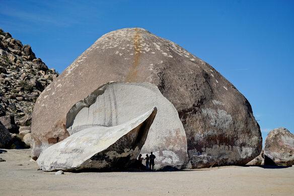 Giant Rock – Landers, California - Atlas Obscura