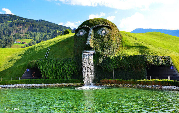 Risultati immagini per Giant – Entrance To The Swarovski Kristallwelten (Crystal Worlds), Wattens, Austria