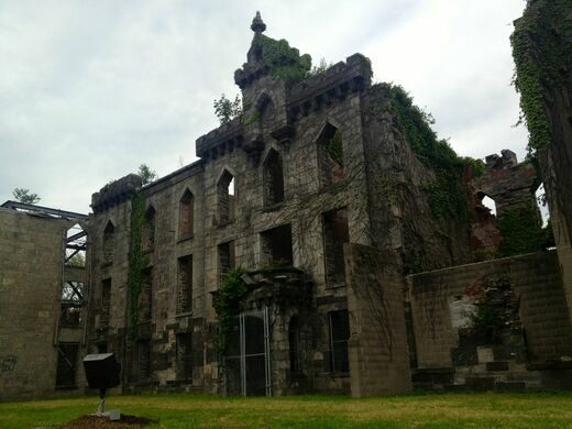 Roosevelt Island Smallpox Hospital Ruins – New York, New