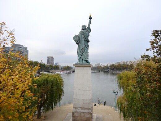statue of liberty pont de grenelle paris france atlas obscura