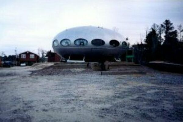 A Map of the Last Remaining Flying Saucer Homes - Atlas Obscura