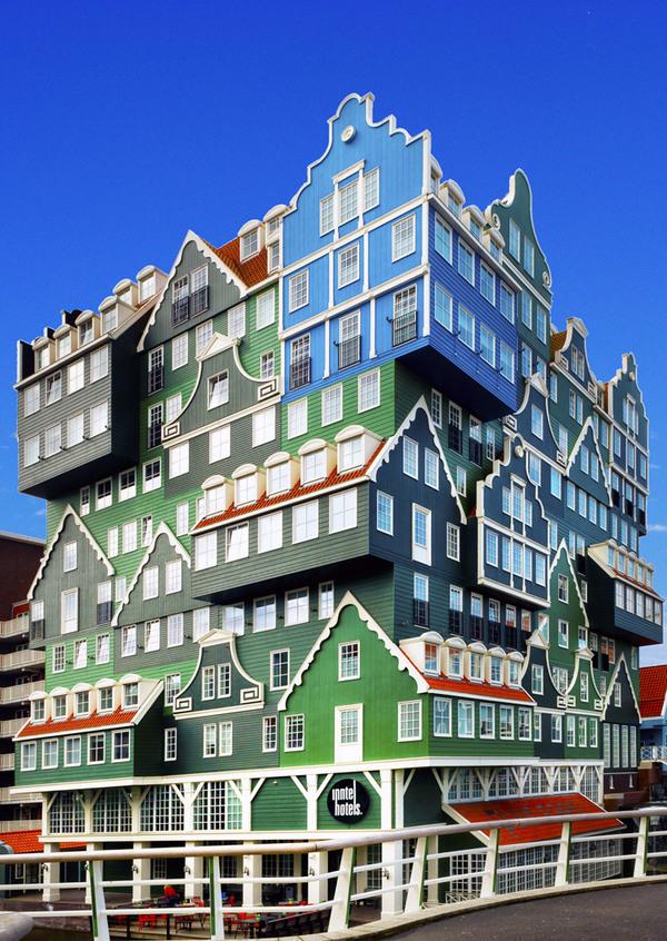 Hotel inntel zaandam zaandam netherlands atlas obscura for Hotel amsterdam cube