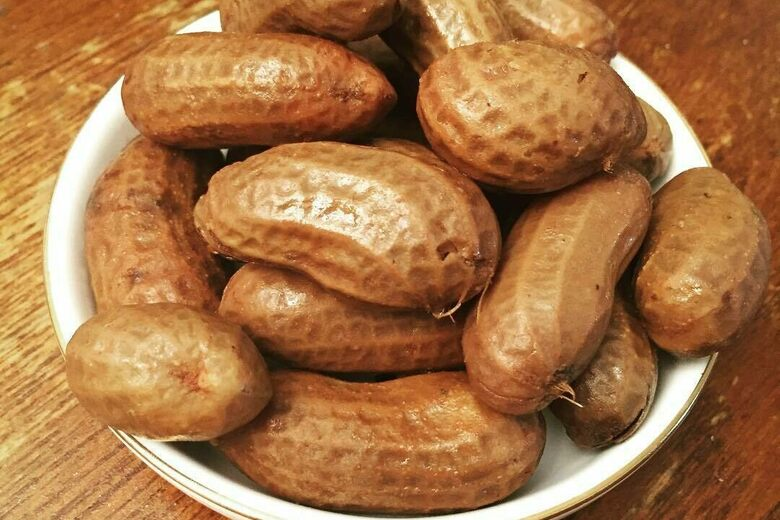 Boiled Green Peanuts