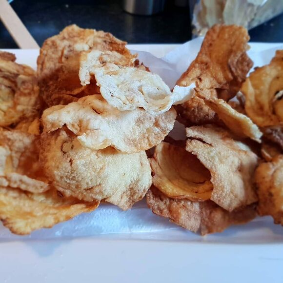 Fried emping ready to nosh.