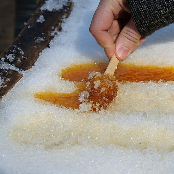 recipe: maple taffy without snow [3]