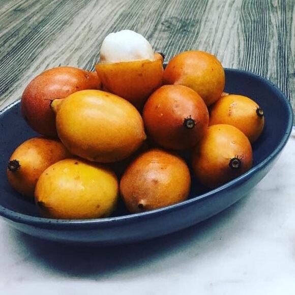 A bowl of achacha.