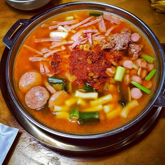 Budae jjigae often includes Korean rice cakes, called garae-tteok.